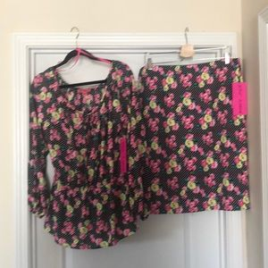 Betsy Johnson 2 pc top & skirt